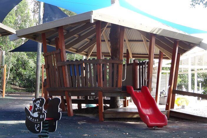 Lower Moora Park, Slide, Fort
