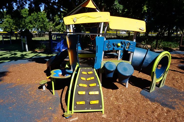 pine rivers park playground