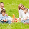 brisbane kids on a picnic with their parents