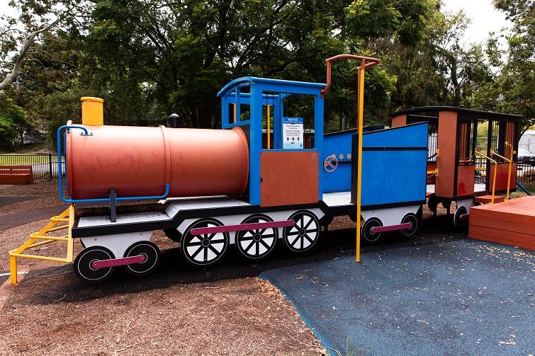 train in milton park