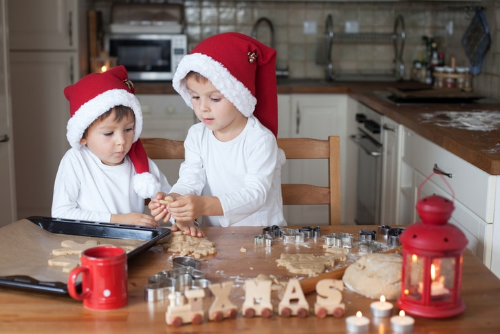 things to do with kids on Christmas Eve
