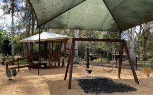 wooden swing set, tarragindi