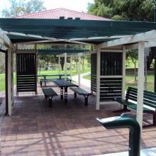 victoria park herston shelter