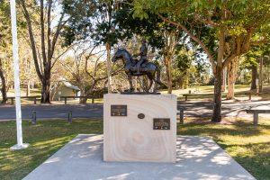 warm memorial statue springwood.