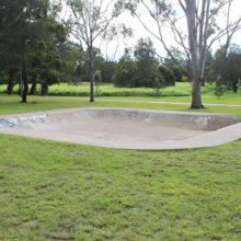 Meadowlands Park skateboard bowl
