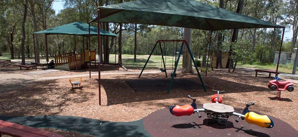 Dm Henderson Park Playground