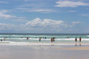 cylinder beach stradbroke island