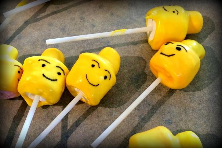 Lego Head Lollipops