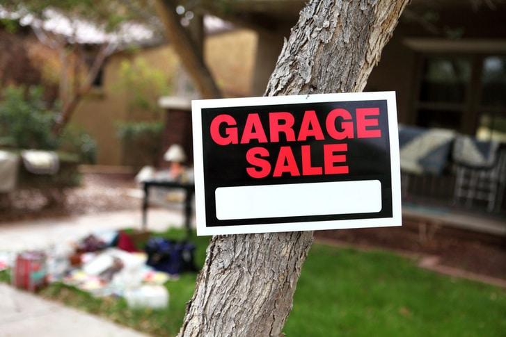 Holding a successful garage sale