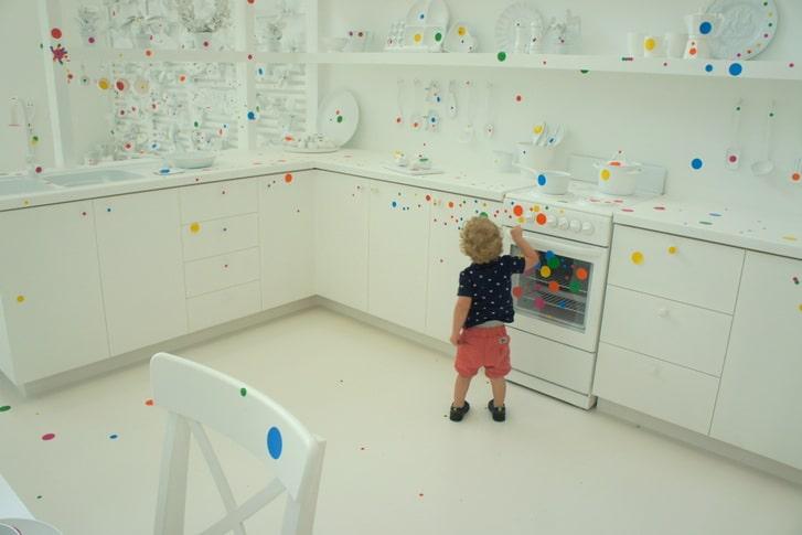 Yayoi Kusama S Brisbane Obliteration Room At Goma For Kids