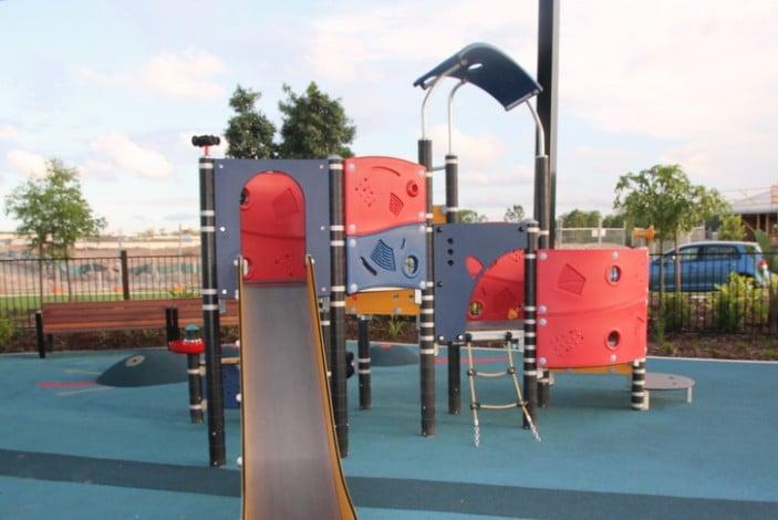 Sarbi Park, Warner