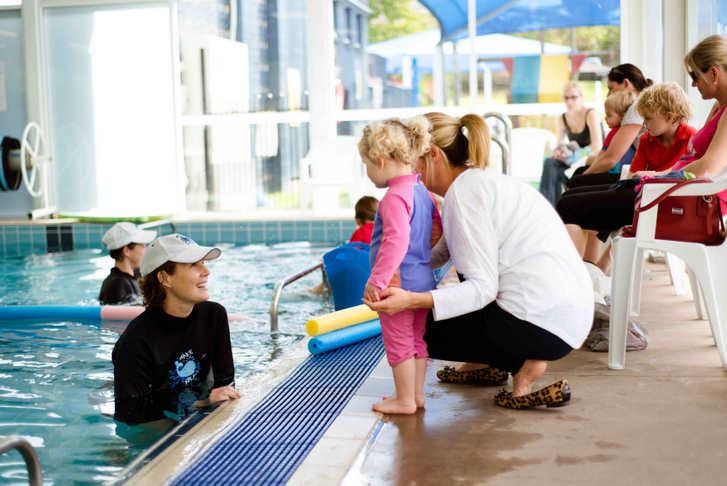 learn to swim at jindalee pool
