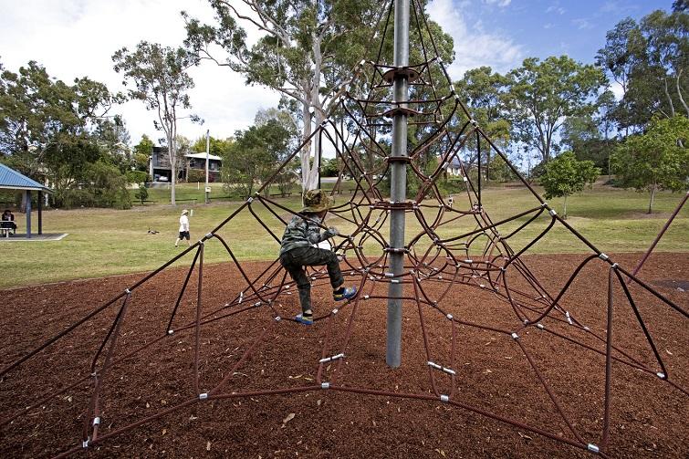 climbing net in sherwood forest park