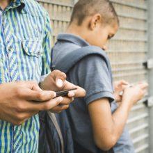 teens mobile phones