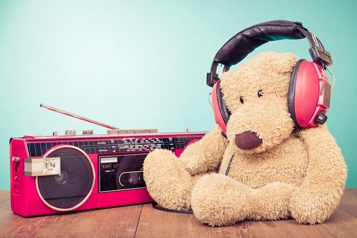 a bear listening to kinderling radio