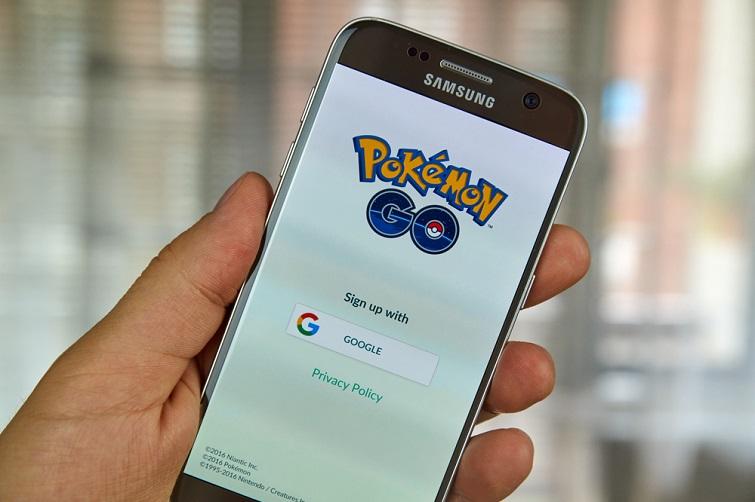 pokemon go on a samsung phone screen