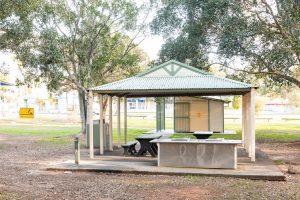 picnic shelter, les atkinson park