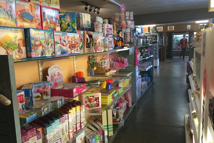 Sunshine Castle toy shop
