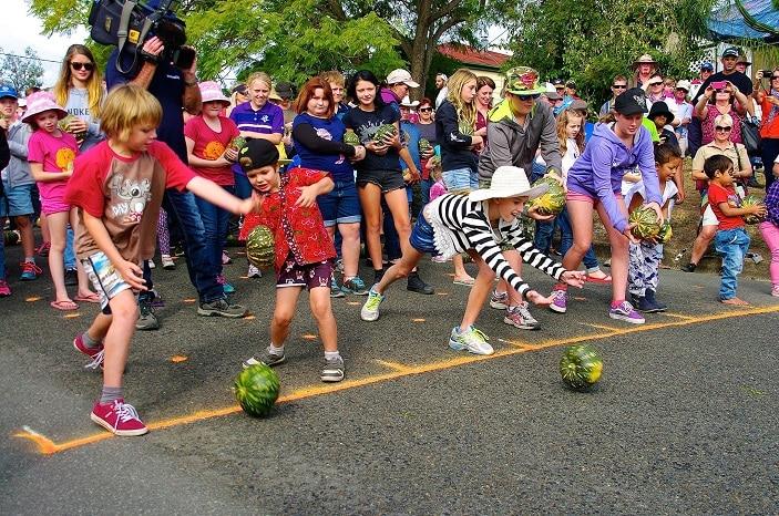 kids at the pumpkin festival