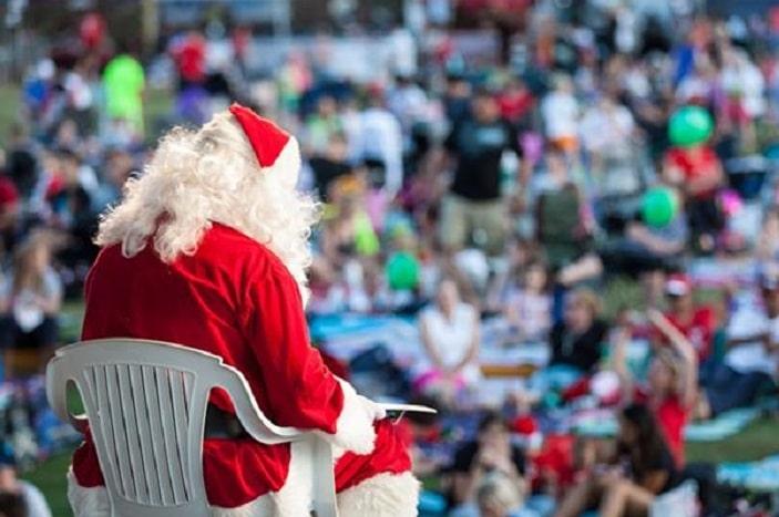 Pine River Christmas carols santa