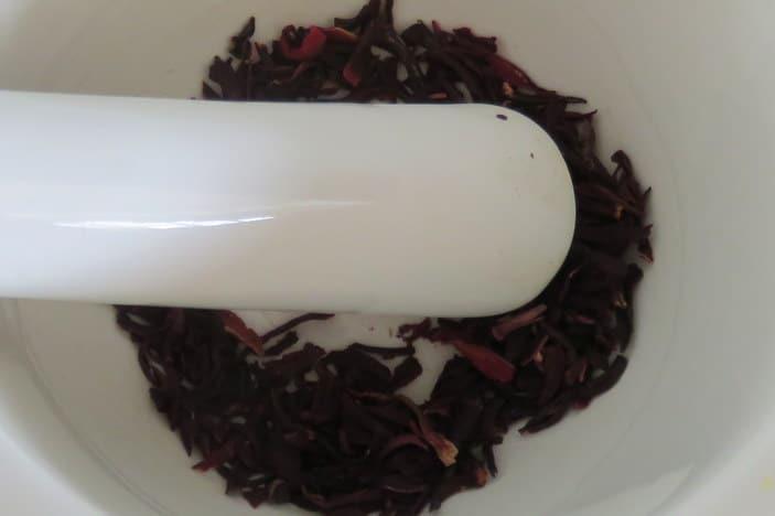 Dried rosella / hibiscus flowers
