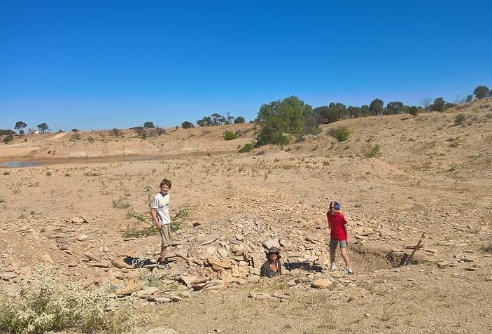 kids fossil digging