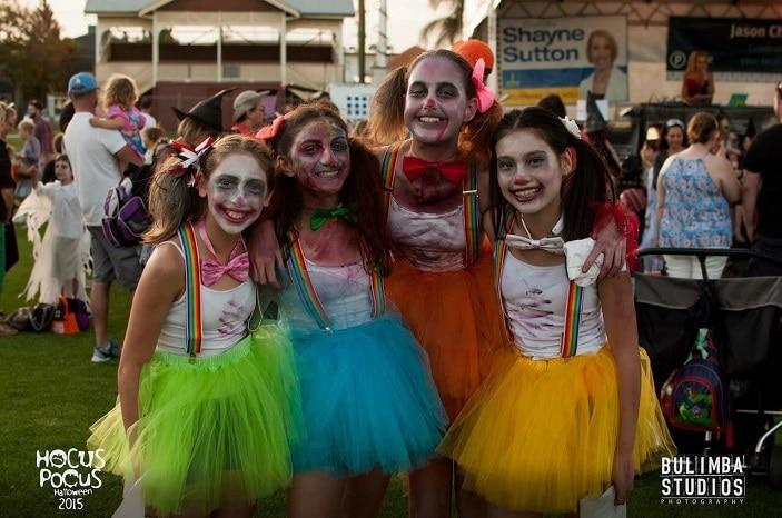 hocus pocus halloween festival, dress up for halloween, girls in halloween costumes