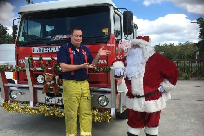 Santa-at-Pallara-with fire engine