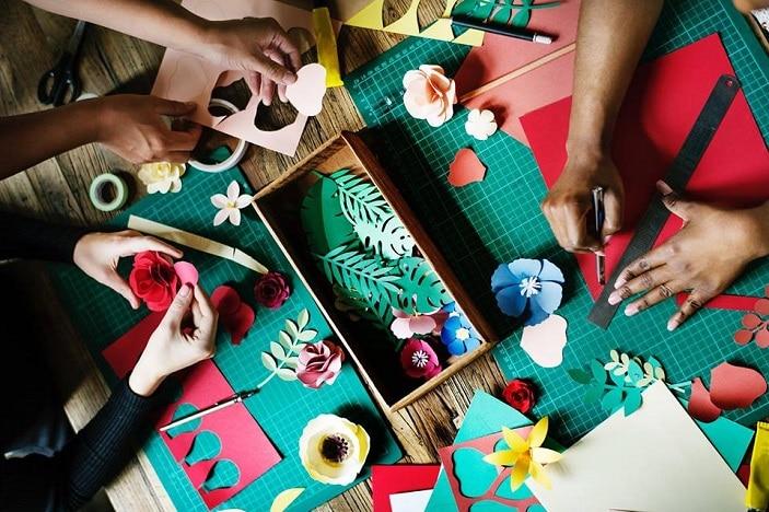 kids craft village Summer Craft Pool Play, flowers, paper craft