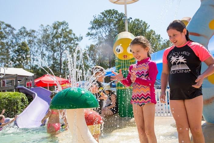 kids waterplay, newmarket pool, splashpad