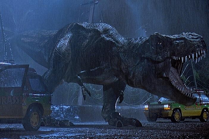 Dirnosaur in rain, Jurassic park
