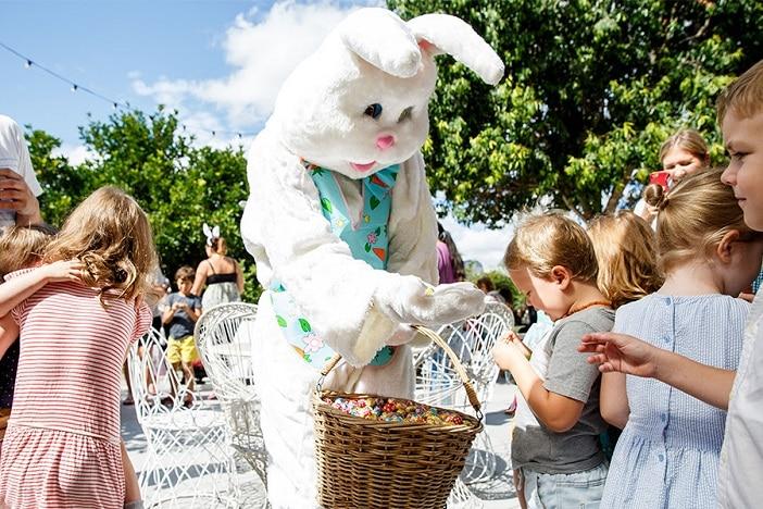 Victoria Park easter bunny