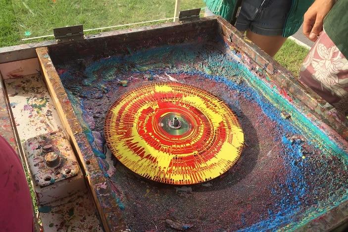 spin art clock making