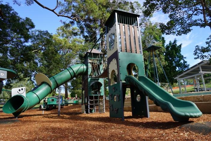 anzac park playground toowong