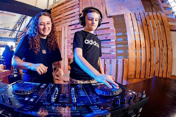 dj school Westfield chermside, DJ mixing table, headphones,