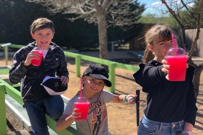 kids drinking slushies at The Granite Belt maze