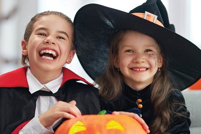 trick or treat indorroopilly, witch and vampire