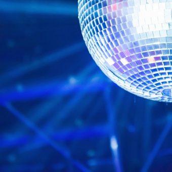 Let it glow Christmas disco, DISCO BALL