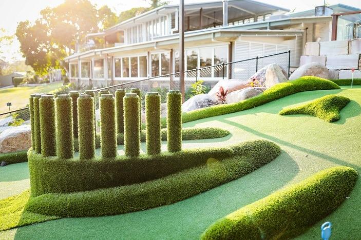 green putt putt course