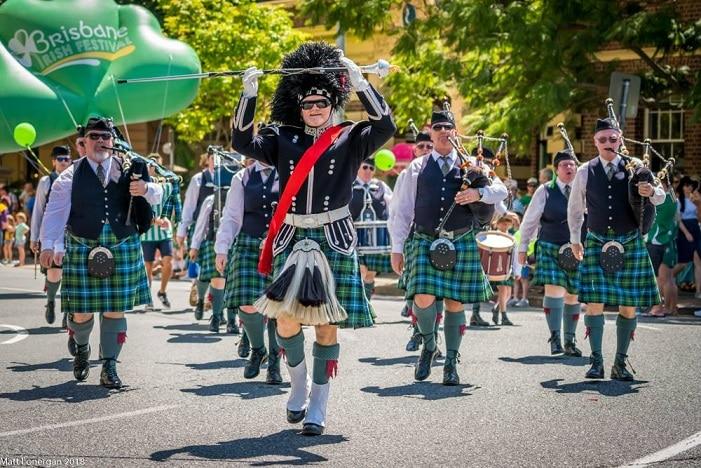 st patricks day parade, bagpipes, kilts