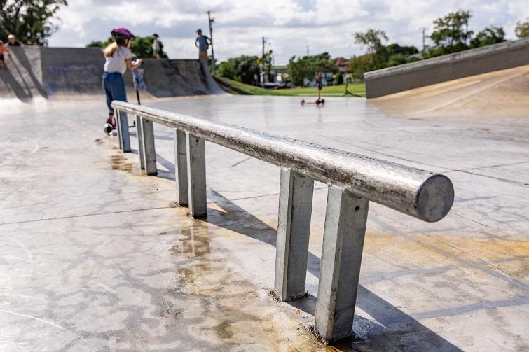 skate rail in wynnum skate park