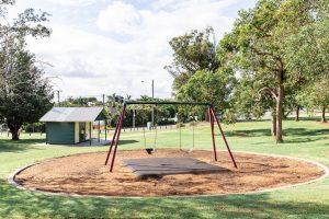 swings in wynnum playground