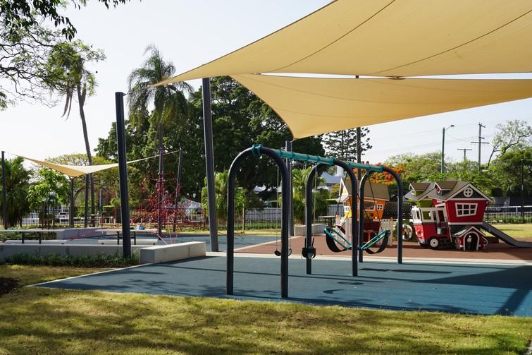ascot park shade and swings