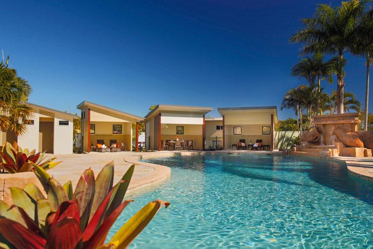 Swimming pool at Brisbane Holiday Village