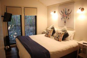 Main bedroom in Creek Lodge at Cedar Creek Lodges