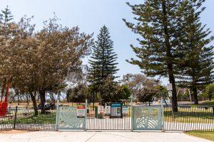 kurrawa park fenced playground