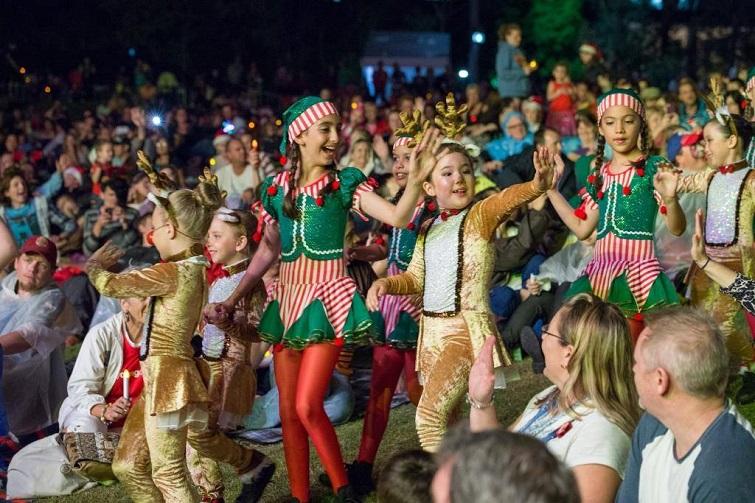 Christmas carols, performers,