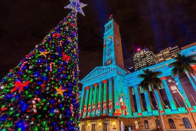Gold Lotto City Hall Christmas lights