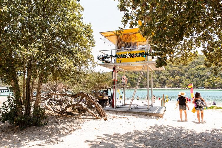 lifesaving tower at tallebudgera beach