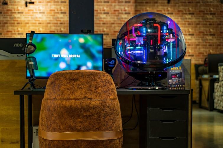 cybercafe desk setup